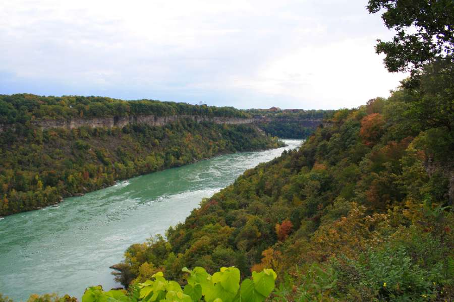Panaramic view on the Niagara River from the top of the rim